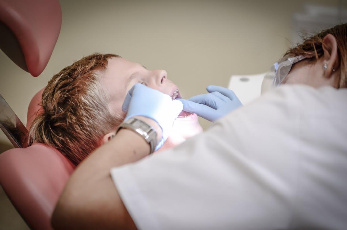 medicul stomatolog