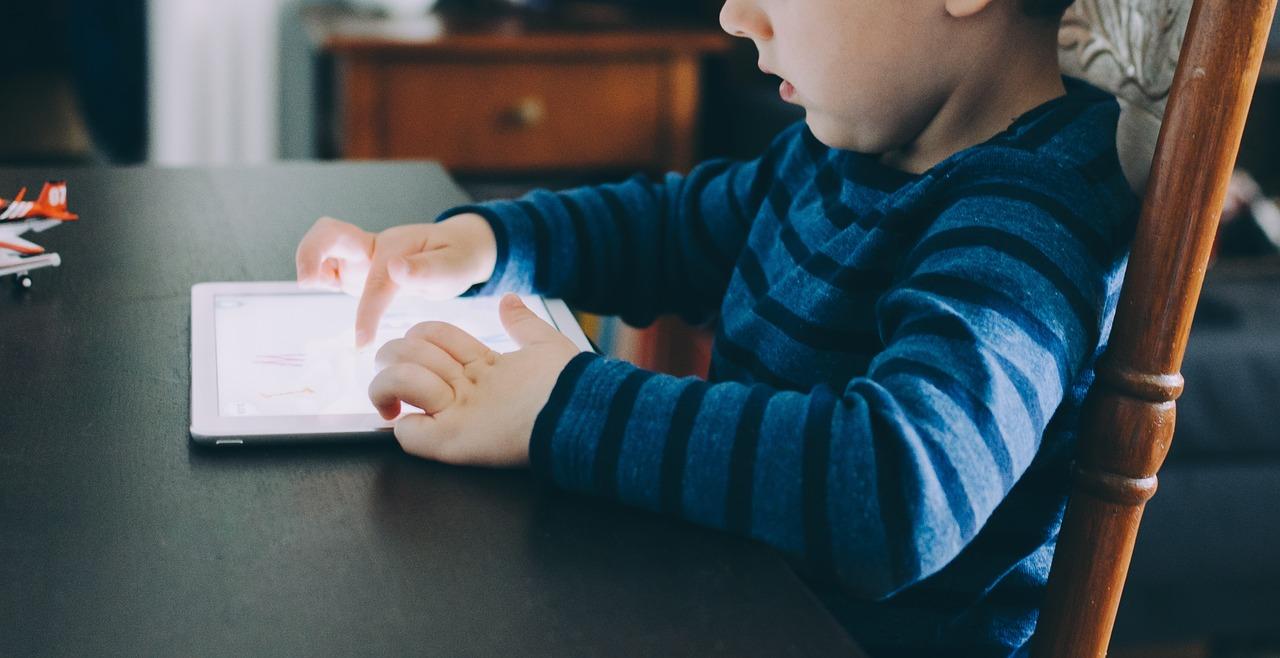 tehnologia mobila in ajutorul copiilor cu autism