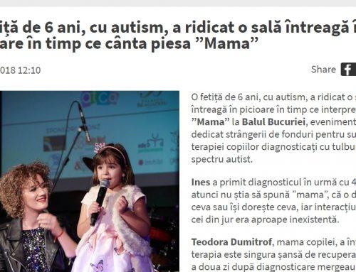 """O fetiță de 6 ani, cu autism, a ridicat o sală întreagă în picioare în timp ce cânta piesa """"Mama"""""""