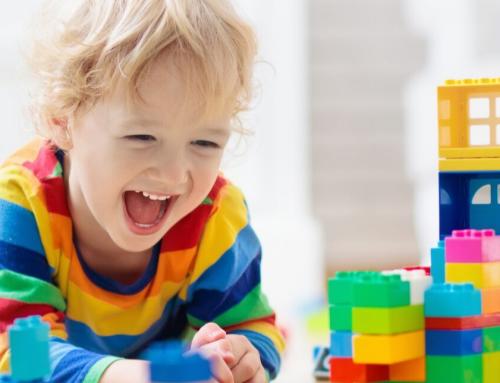 Importanța jocului și socializarea la copiii cu TSA – CURS GRATUIT pentru părinți